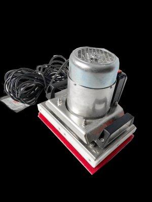 EXCENTR HandHero (Ruční čisticí stroj na schody, kuchyňské pracovní desky, okenní parapety apod.)